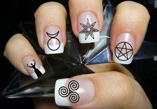 Дизайн ногтей френч со слайдерами - фото 1