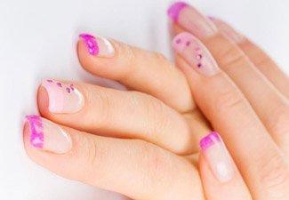Дизайн ногтей френч со слайдерами - фото 10
