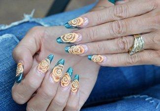 Дизайн ногтей френч со слайдерами - фото 26