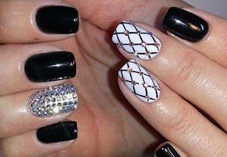 Стразы в дизайне ногтей - фото 10