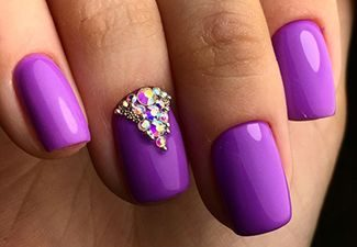 Стразы в дизайне ногтей - фото 3