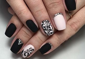 Стразы в дизайне ногтей - фото 4