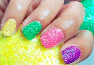 Разноцветный маникюр гель-лаком - фото 16