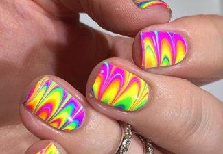 Разноцветный маникюр гель-лаком - фото 19