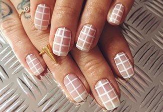 Осенний дизайн коротких ногтей - фото 3