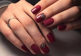 Осенний дизайн коротких ногтей - фото 39