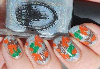 Варианты ногтей с осенними рисунками - фото 1