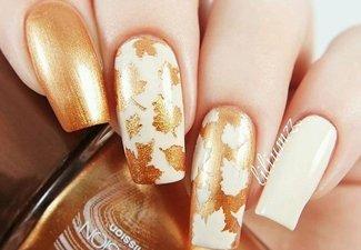 Варианты ногтей с осенними рисунками - фото 22