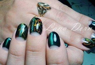 Варианты ногтей с осенними рисунками - фото 25