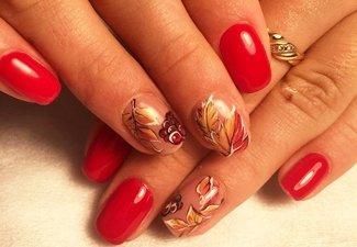 Варианты ногтей с осенними рисунками - фото 27