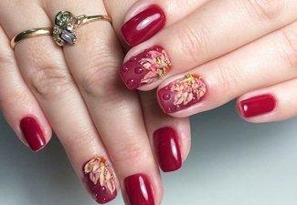 Варианты ногтей с осенними рисунками - фото 28