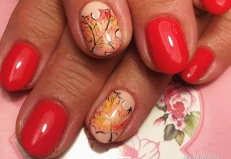 Варианты ногтей с осенними рисунками - фото 29