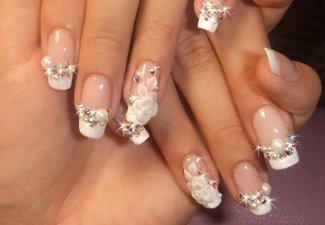 Новинки дизайна ногтей со стразами - фото 18