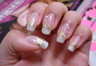 Новинки дизайна ногтей со стразами - фото 19