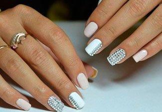 Новинки дизайна ногтей со стразами - фото 25