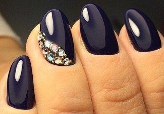 Новинки дизайна ногтей со стразами - фото 27