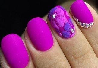Новинки дизайна ногтей со стразами - фото 30