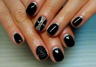 Новинки дизайна ногтей со стразами - фото 32