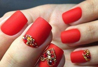 Новинки дизайна ногтей со стразами - фото 36