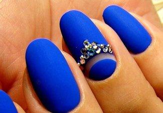 Новинки дизайна ногтей со стразами - фото 40