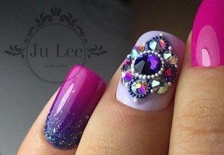 Новинки дизайна ногтей со стразами - фото 41