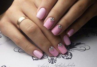 Новинки дизайна ногтей со стразами - фото 43