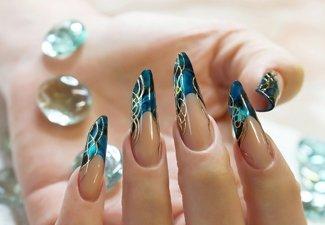 Новинки дизайна ногтей со стразами - фото 44