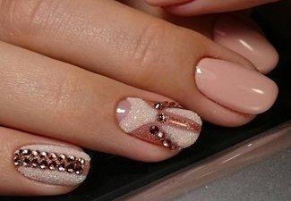Новинки дизайна ногтей со стразами - фото 46