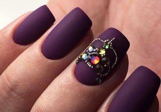 Новинки дизайна ногтей со стразами - фото 47