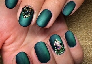 Новинки дизайна ногтей со стразами - фото 5