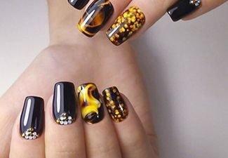 Новинки дизайна ногтей со стразами - фото 7