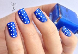 Синий маникюр - фото 50