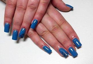 Синий маникюр - фото 62