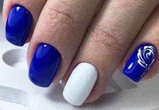 Синий маникюр - фото 68