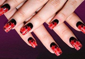 Маникюр черный с красными цветами